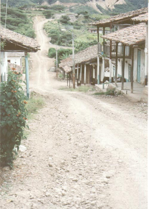 Nambacola village, Loja.  Photo belongs to Ecuaworld.Com: taken by Aly Wyllie