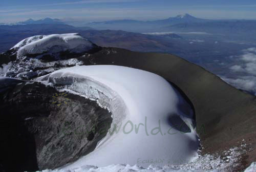climbing-hiking-crater-cotopaxi